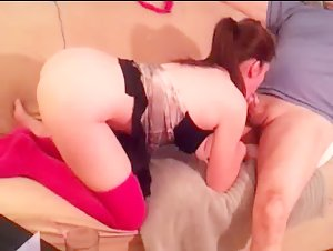 Chick with fuckable ass gives head